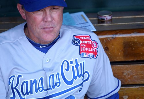Royals pick up option on Yost's contract