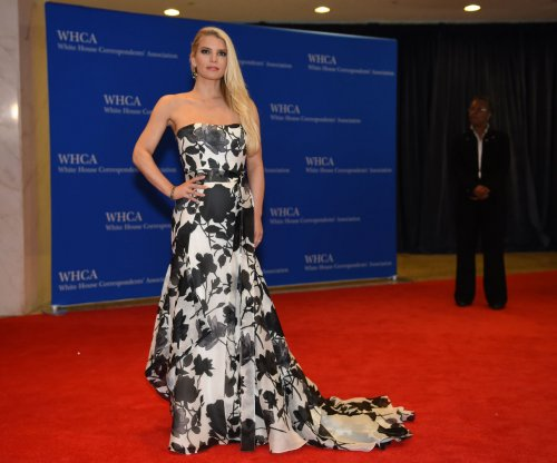 Jessica Simpson's best fashion advice: Wear heels even if they hurt