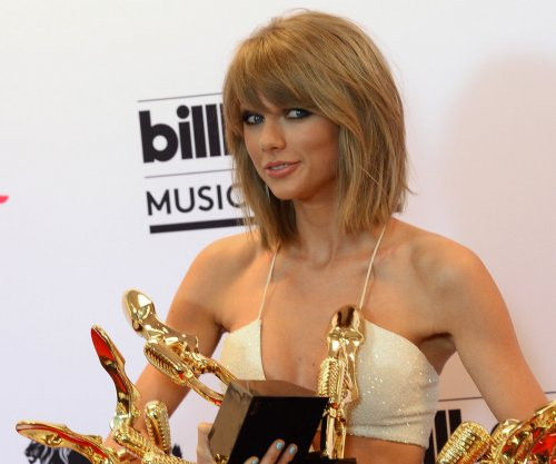 Taylor Swift teases 'Wildest Dreams' video starring Scott Eastwood