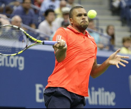 Jo-Wilfried Tsonga upset in Rio; Stan Wawrinka survives in Marseille
