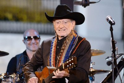 Willie Nelson cancels weekend Vegas shows due to illness