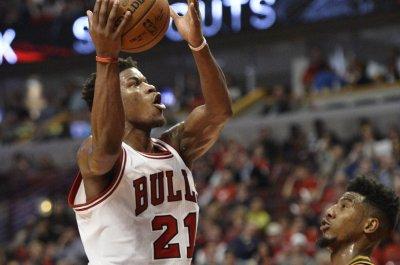 Jimmy Butler returns to help Chicago Bulls beat Toronto Raptors