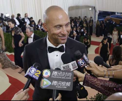 Derek Jeter, Jeb Bush interested in buying Miami Marlins
