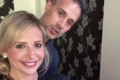 Freddie Prinze Jr. helps Sarah Michelle Gellar celebrate 2M Instagram followers