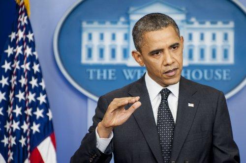 Obama pushes Romney on tax returns