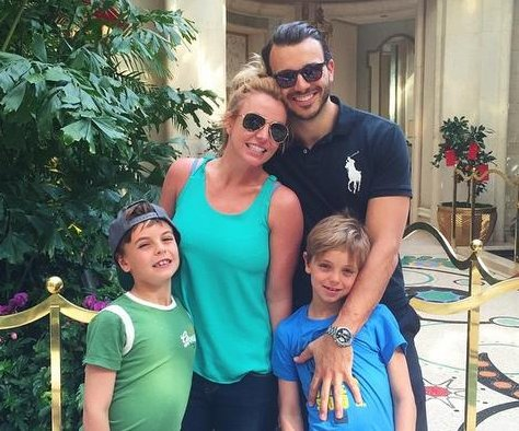 Britney Spears gushes over sons, boyfriend Charlie Ebersol
