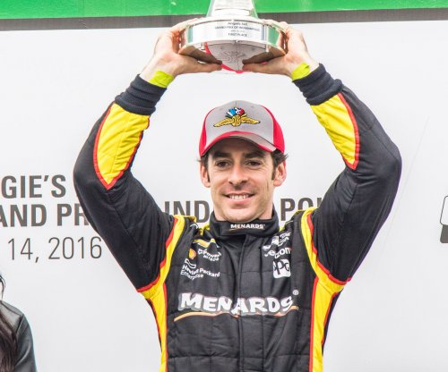 Simon Pagenaud wins third straight IndyCar race
