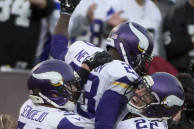 Minnesota Vikings' vaunted defense embarrassed by San Francisco 49ers