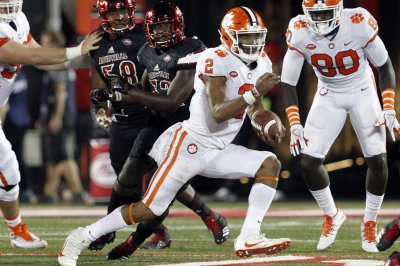 No. 7 Miami Hurricanes take turn to knock No. 1 Clemson Tigers off ACC perch