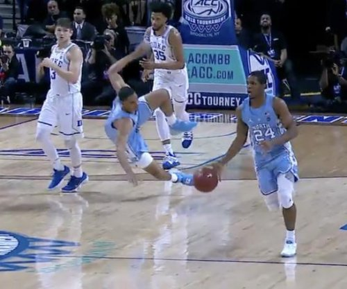 Duke's Grayson Allen commits cheap shot flagrant foul against UNC