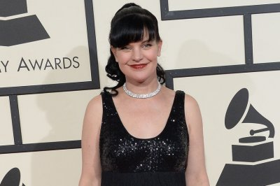 Pauley Perrette says her attacker 'knifed' police officer