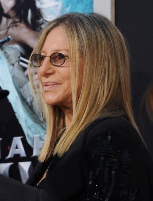 Streisand tabbed for MusiCares award