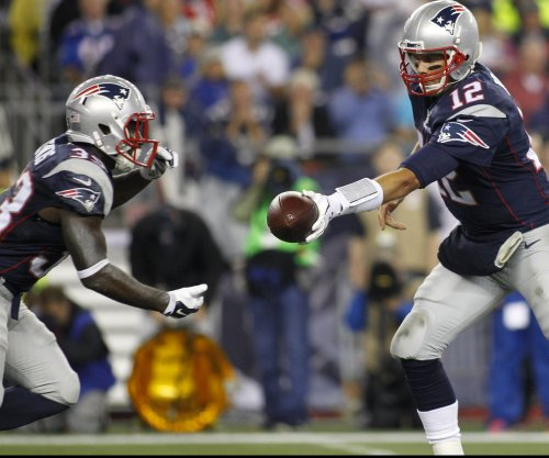 New England Patriots ink RB Dion Lewis to extension