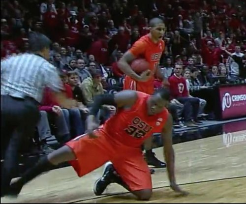 Oregon State suspends basketball player who tripped referee