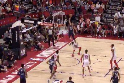 Pelicans rookie Jaxson Hayes gets thunderous dunk vs. Bulls