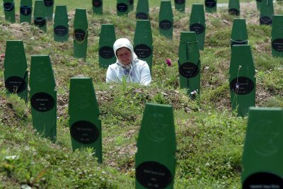 Dutch high court holds gov't partly liable for 1995 'Srebrenica massacre'
