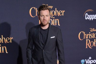 Ewan McGregor heads to the Overlook hotel in final 'Doctor Sleep' trailer