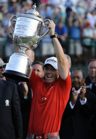 McIlroy back on top of golf rankings