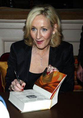 Rowling pens 'Potter' prequel for charity
