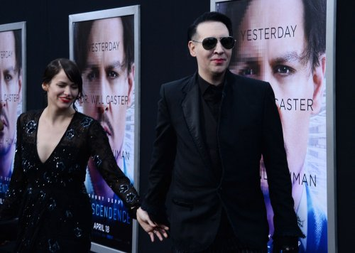 Marilyn Manson, Johnny Depp perform 'The Beautiful People'