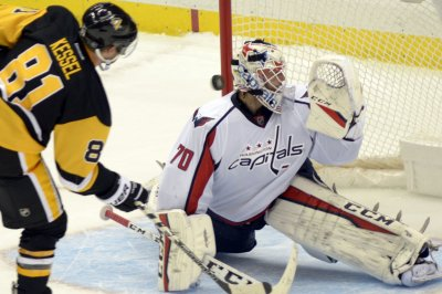 Phil Kessel lifts Pittsburgh Penguins over Washington Capitals on banner night