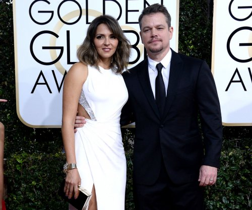 Matt Damon remembers Robin Williams on the Golden Globes red carpet