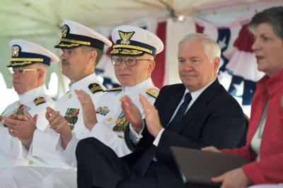 Pentagon: Gates OK with DADT compromise
