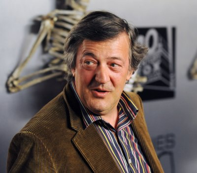 Stephen Fry says he attempted suicide last year