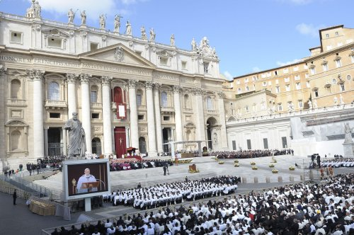 Francis calls on all to serve, protect