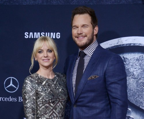 Anna Faris 'jealous' of Chris Pratt's 'Jurassic World' co-star