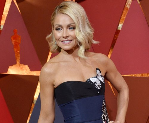 Kelly Ripa, Wyclef Jean inducted into New Jersey Hall of Fame