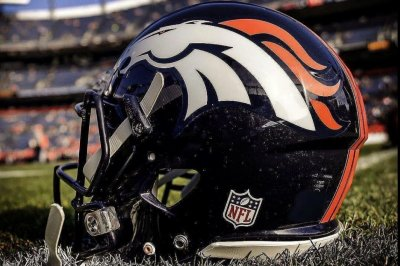 Broncos' Booker edges Freeman atop RB depth chart