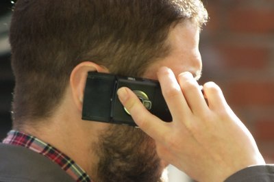 Nearly 4,000 Americans per year injured while using cellphones, study finds
