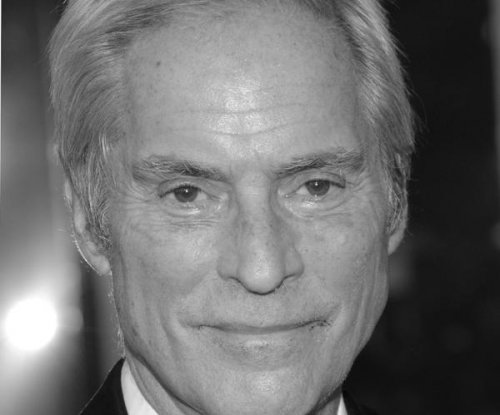 Bob Simon remembered by CBS boss as a 'giant of broadcast journalism'