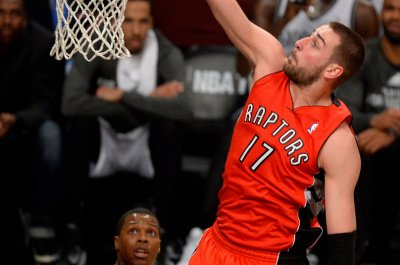 Jonas Valanciunas helps Toronto Raptors tie series