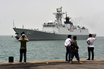 Saudi coalition to keep Yemeni port open for aid