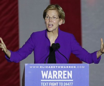 Elizabeth Warren unveils plan to protect tenants' rights