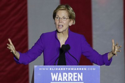 Elizabeth Warren unveils plan to protect tenants' rights