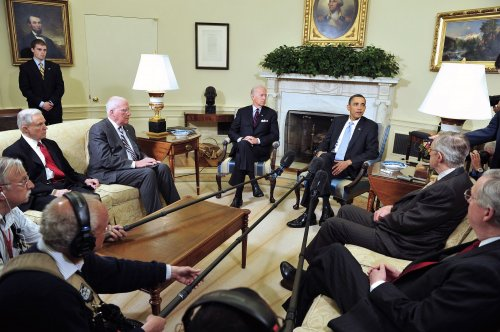 Obama, lawmakers meeting on court nominee