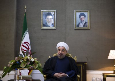 White House, lawmakers duel over new Iran sanctions