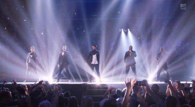 'NSYNC sings 'Bye, Bye, Bye' at VMAs