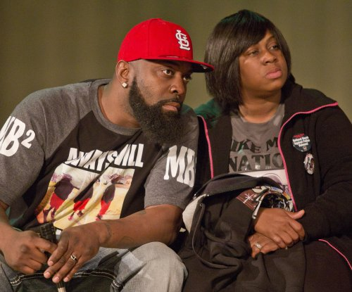 Michael Brown's family announces civil lawsuit plans