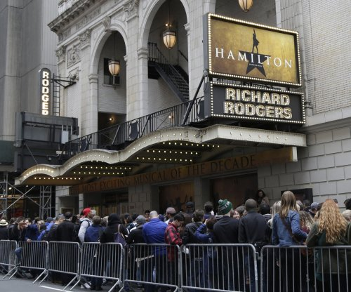 Lin-Manuel Miranda to photo-snapping theatergoers: 'We. Can. See. You.'
