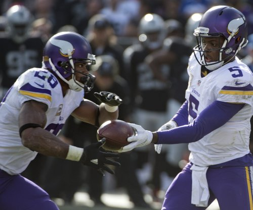 Vikings RB Adrian Peterson compares Teddy Bridgewater to Tom Brady
