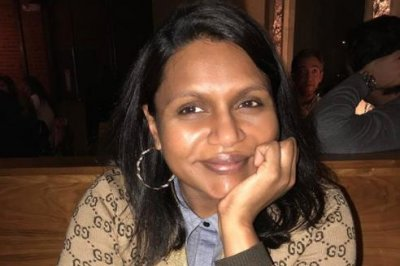 Mindy Kaling posts makeup-free photo from 'mom night out'