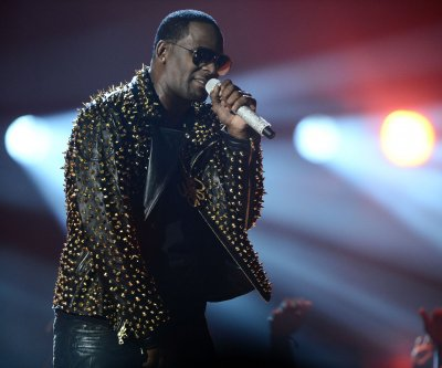 R. Kelly accused of bribing official for fake ID before marrying Aaliyah