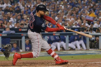Boston Red Sox agree to trade Mookie Betts, David Price to Los Angeles Dodgers