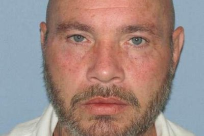 Alabama authorities searching for escaped inmate convicted of murder