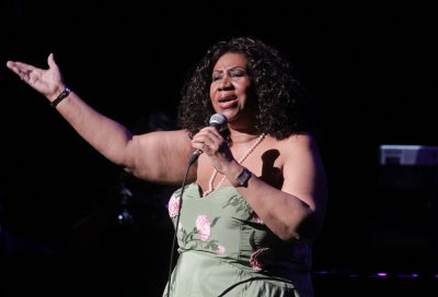 Aretha to play hometown gig Friday