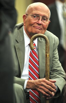 Longest-serving member of Congress, John Dingell, announces retirement